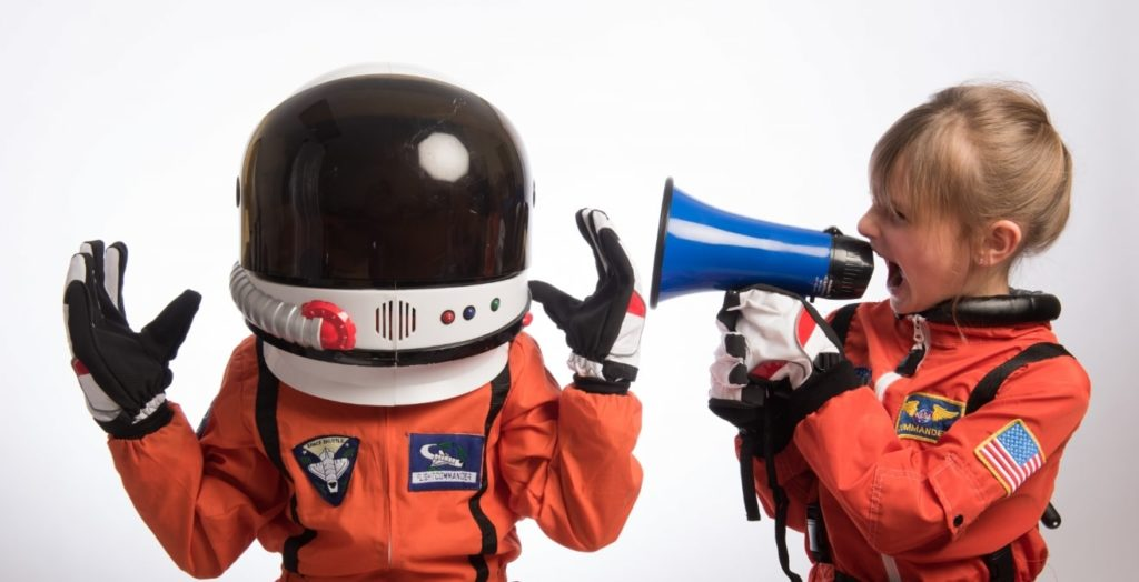 宇宙服少年と少女