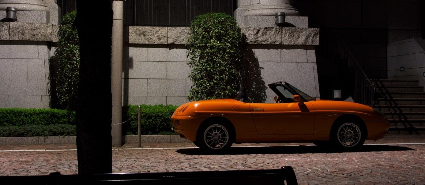 イタリアの車(赤)
