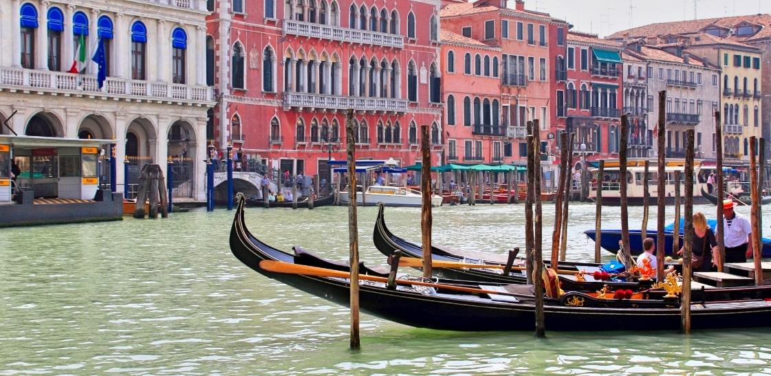 ベネチアと舟