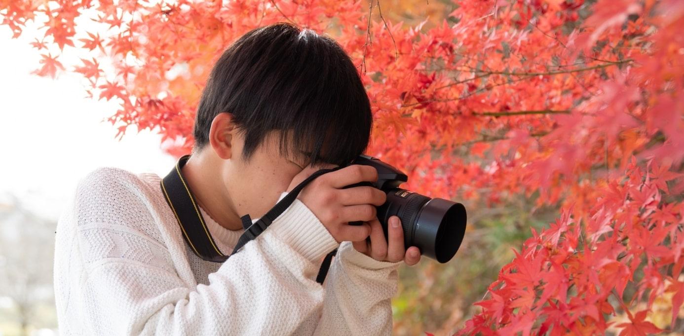 若いカメラマン
