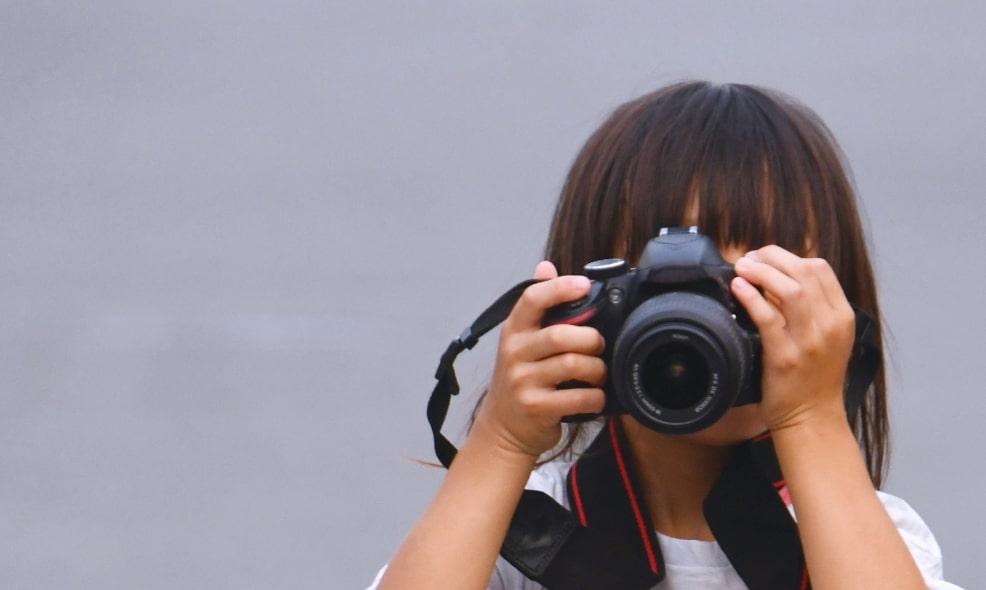 少女カメラマン